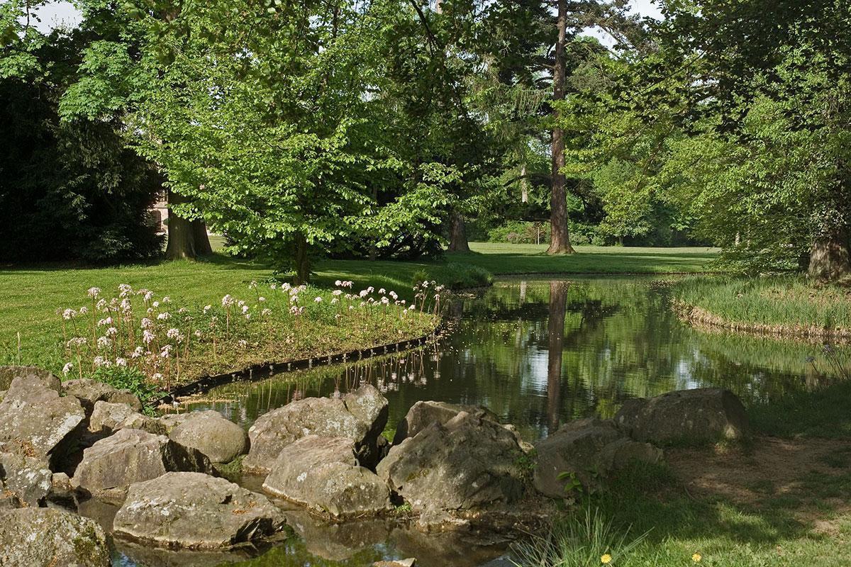 Detail des Schlossgartens von Schloss Favorite;  Foto: Staatliche Schlösser und Gärten Baden-Württemberg, Andrea Rachele