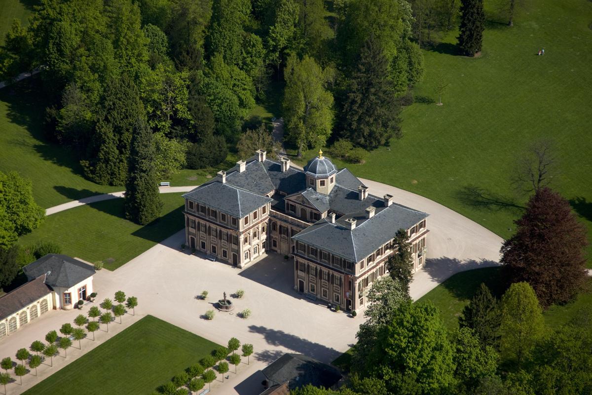 Luftaufnahme von Schloss Favorite Rastatt; Foto: Staatliche Schlösser und Gärten Baden-Württemberg, Achim Mende