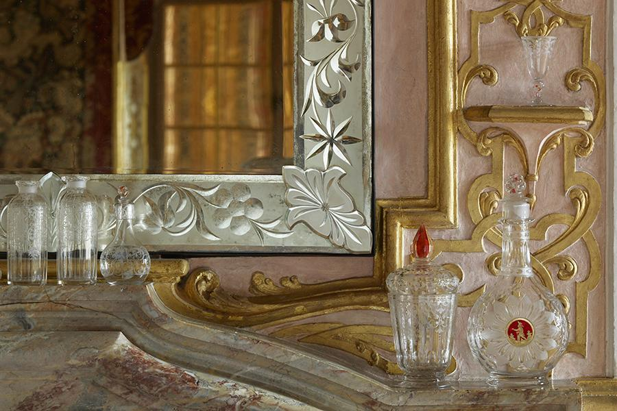 Glassware on the mantelpiece in the small dining room in the margravine's apartment, Bohemia, early 18th century. Image: Staatliche Schlösser und Gärten Baden-Württemberg, Martine Beck Coppola