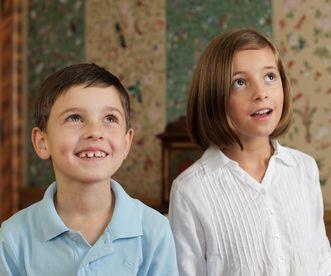 Kinder im Schloss