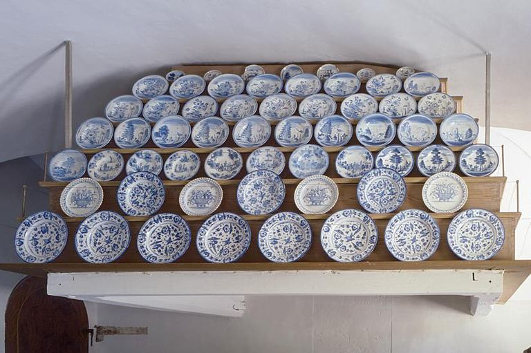 Image: Pottery in the open kitchen, Rastatt Favorite Palace