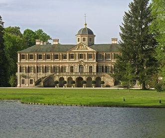 Gartenseite des Schlosses