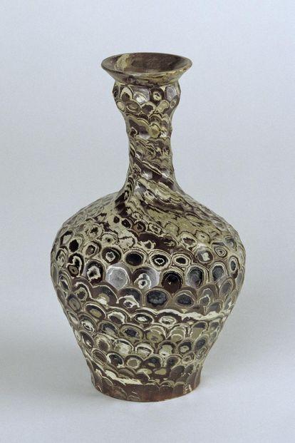 Vase aus Jaspisporzellan in Schloss Favorite Rastatt