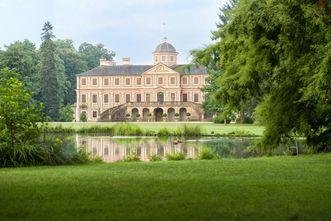 Außenansicht von Schloss Favorite Rastatt; Foto: Staatliche Schlösser und Gärten Baden-Württemberg, Niels Schubert