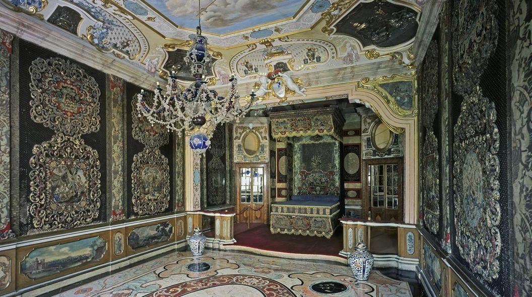 Ansicht des Schlafzimmers Ludwig Georgs in Schloss Favorite Rastatt; Foto: Staatliche Schlösser und Gärten Baden-Württemberg, Arnim Weischer