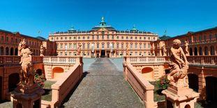 Château résidentiel de Rastatt, escalier menant à la cour d'honneur