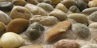 Kieselsteine an der Außenfassade von Schloss Favorite Rastatt