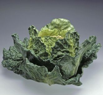 Image: Ceramic cabbage head from the glazed earthenware collection, Favorite Palace