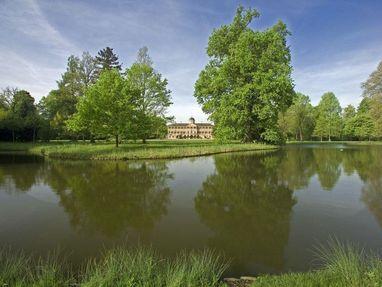 Schloss Favorite Rastatt, See im Schlossgarten